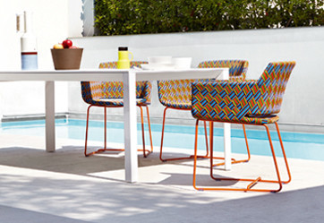 Outdoor dining chairs with pattern