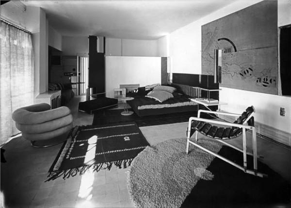 Mid century modern living room interior design