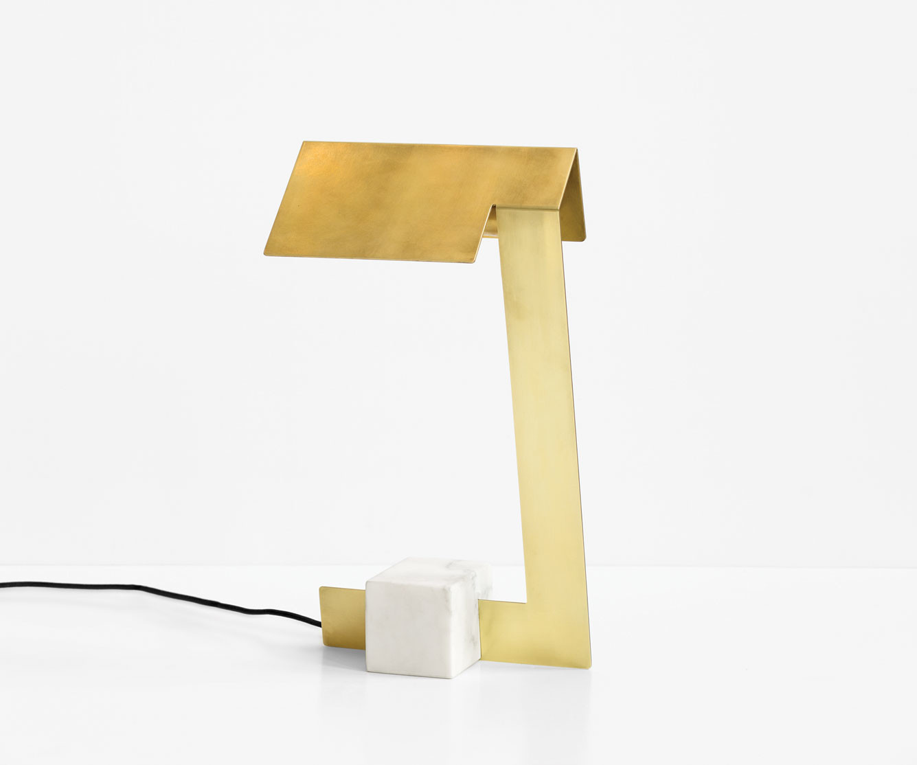Table lamp made of brass and marble