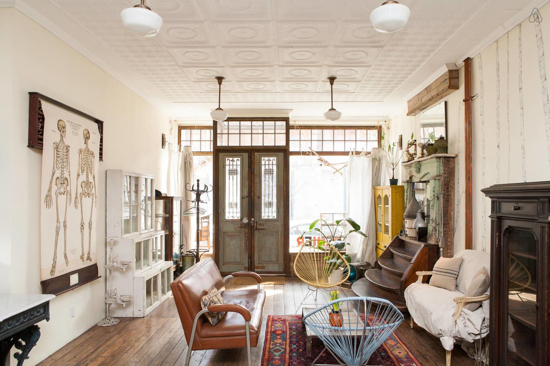 Vintage eclectic Brooklyn apartment design