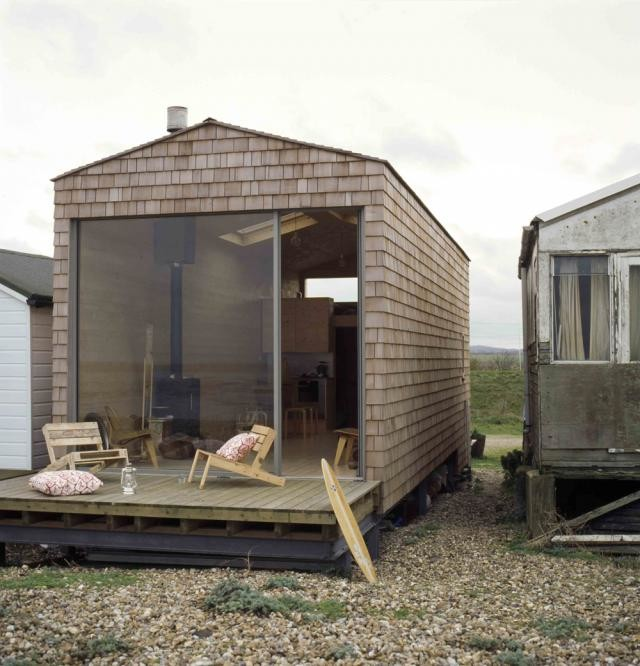 Modernist micro beach house clapboard style