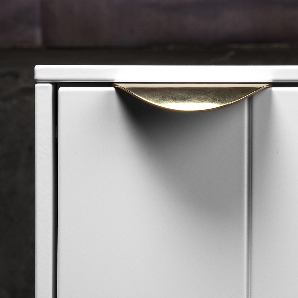 minimalist drawer pull
