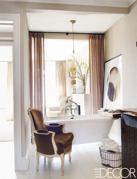 Keri Russell sophisticated bathroom design