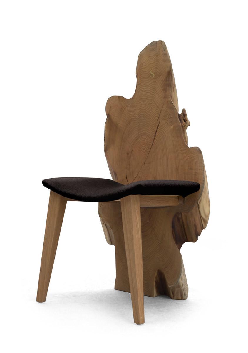 Live wood chair back design