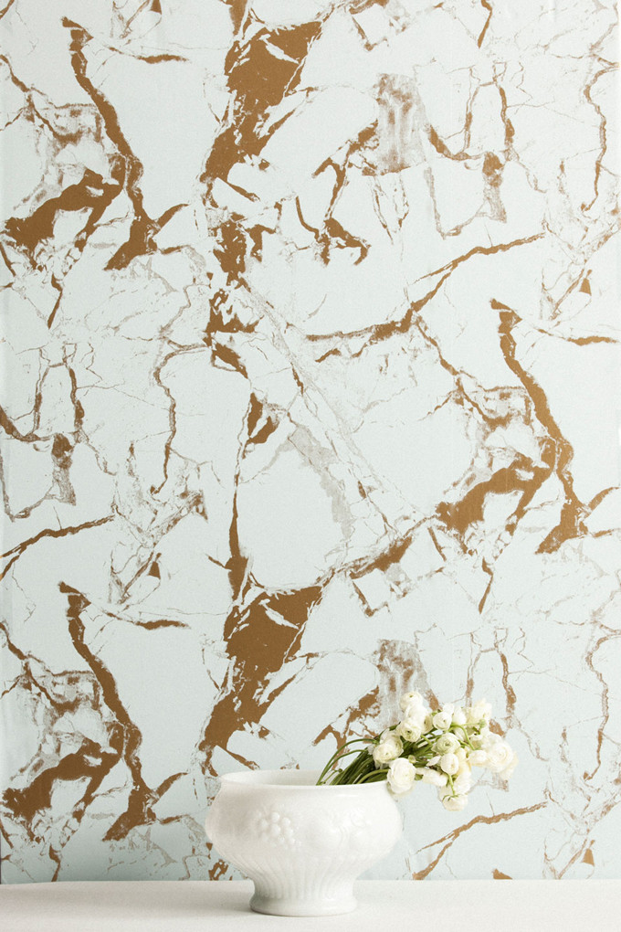 Gold and white marble wallpaper