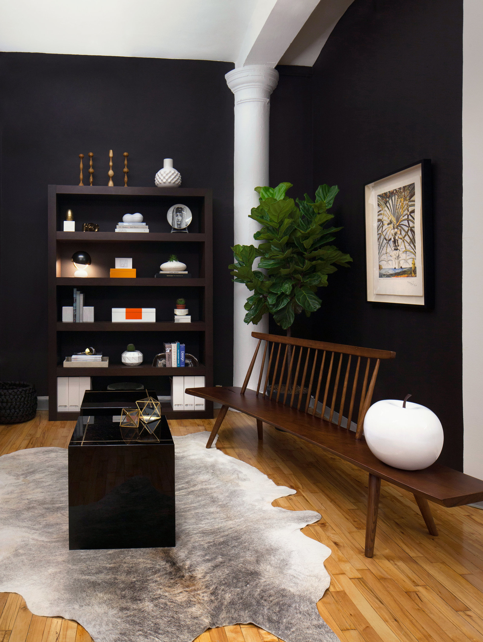black walls decor help New York Office