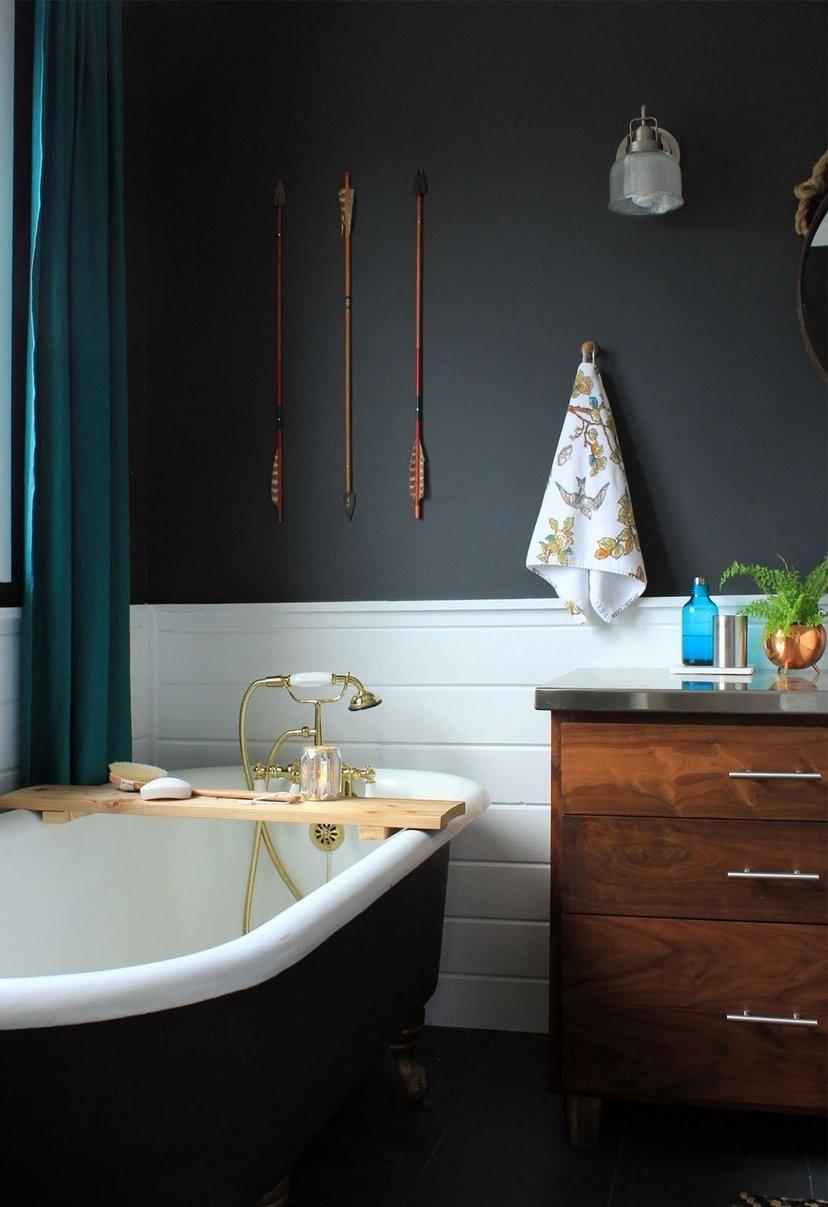 black lacquered bathtub bathroom design
