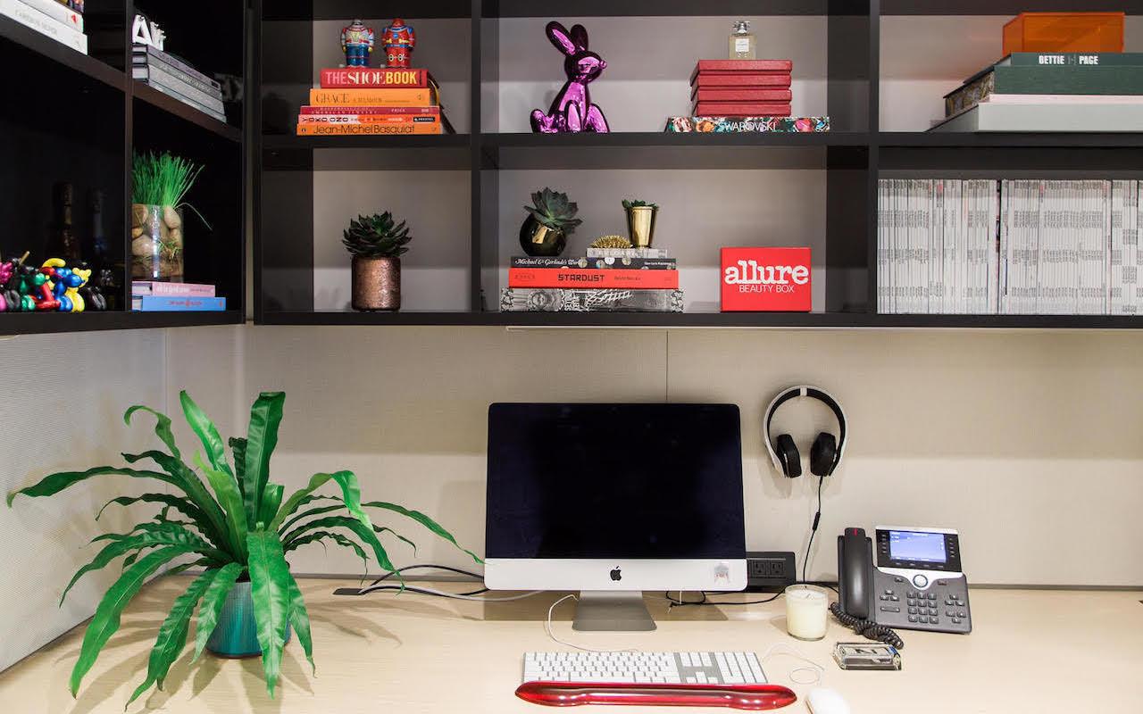 Allure desk accessories