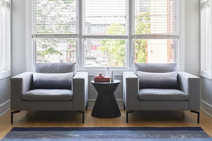 Bludot armchair