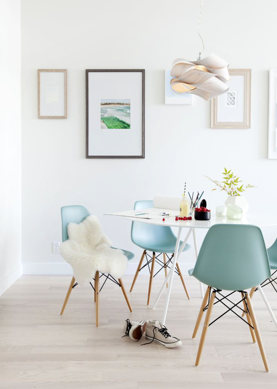 blue eames chair white dining room