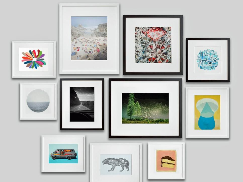 Black and white gallery wall picture frames