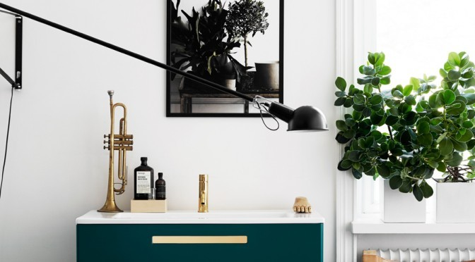 Green and brass chest of drawers