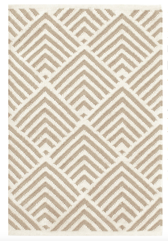 Outdoor rug with neutral graphic print