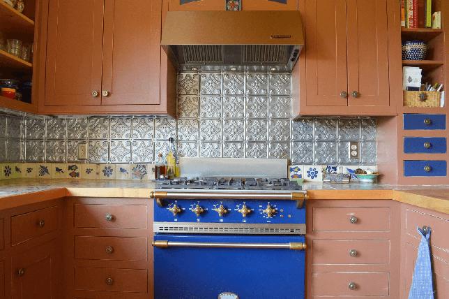 Tin shaped kitchen backsplash