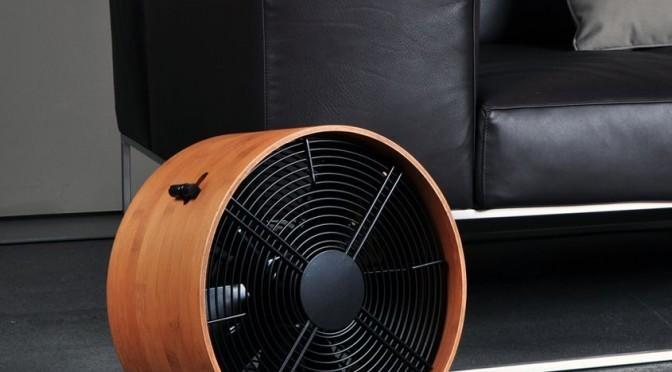 round wooden fan