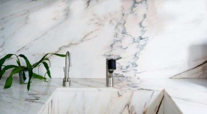 Marble sink and breakfast bar